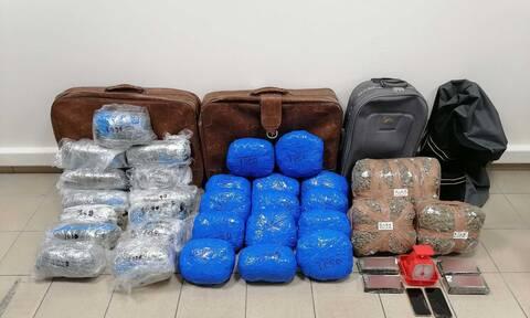 Θεσσαλονίκη: Κατασχέθηκαν περισσότερα από 38 κιλά ακατέργαστης κάνναβης και 2 κιλά ηρωίνης