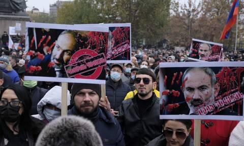 Αρμενία: Χιλιάδες διαδηλωτές στους δρόμους του Γερεβάν κατά της κυβέρνησης