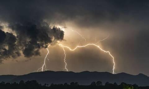 Έκτακτο δελτίο επιδείνωσης καιρού - EMY: Ισχυρές καταιγίδες και χαλάζι τις επόμενες ώρες