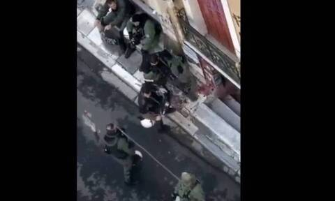 Επέτειος Γρηγορόπουλου: ΕΔΕ για τους αστυνομικούς που διέλυσαν ανθοδέσμη - Παραδειγματική τιμωρία