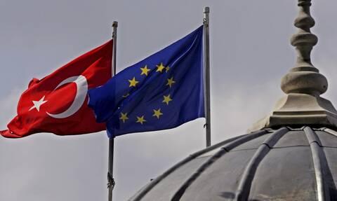 Υπουργοί Εξωτερικών ΕΕ: «Στο τραπέζι» το ενδεχόμενο επιβολής κυρώσεων στην Τουρκία