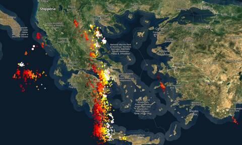 Καιρός live: Χτυπά την Ελλάδα η «λαίλαπα καταιγίδων» - Δείτε πού βρίσκεται