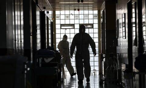 Κορoνοϊός: Συγκλονίζει γιατρός που νόσησε από Covid-19 – «Αισθάνεσαι τον Χάρο δίπλα σου»