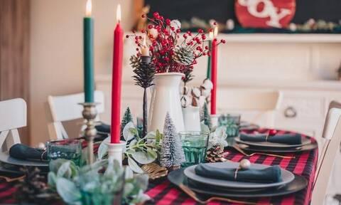 Lockdown: Χριστουγεννιάτικο τραπέζι με εννέα άτομα - Τα μέτρα μέχρι τα Φώτα