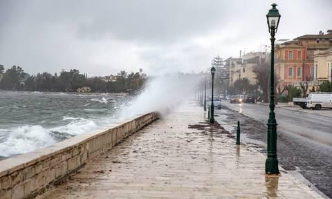 Νέο έκτακτο δελτίο επιδείνωσης καιρού - EMY: Έρχονται ισχυρές καταιγίδες τις επόμενες ώρες