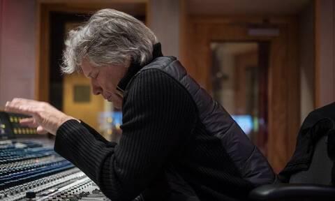 Τα Χριστούγεννα φέτος έχουν άρωμα από... Jon Bon Jovi