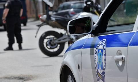 Αγία Βαρβάρα: Mεγάλη επιχείρηση της ΕΛ.ΑΣ για ναρκωτικά – 17 συλλήψεις