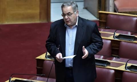 Έπρεπε να βάλει τις φωνές ο βουλευτής Γιώργος Λαμπρούλης για να τον εντάξουν εθελοντικά στο ΕΣΥ