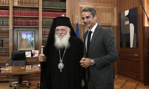 Τηλεφωνική επικοινωνία Μητσοτάκη με τον Αρχιεπίσκοπο Ιερώνυμο