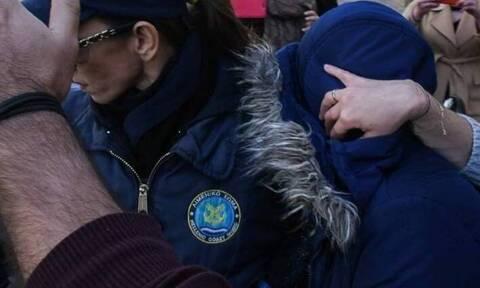 Αποφυλακίζεται η 27χρονη που άφησε το νεογέννητο παιδί της στην Πλαζ και πνίγηκε