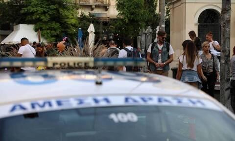 В Афинах в районе Врилиссия неизвестные застрелили мужчину и скрылись с места происшествия