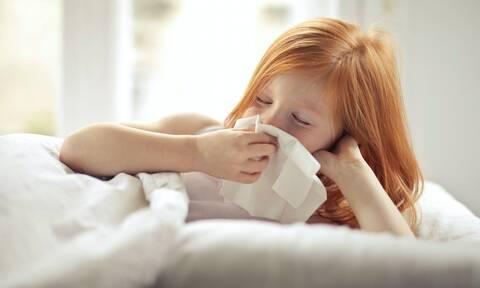 Τέσσερις τρόποι να «ρίξετε» τον πυρετό το παιδιού