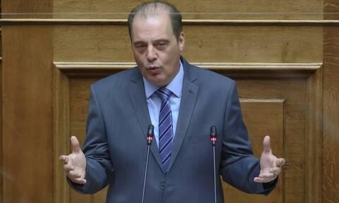 Χαμός στη Βουλή με Βελόπουλο: Καλύτερα ψεκασμένος παρά μπολιασμένος με κάθε Χασάν
