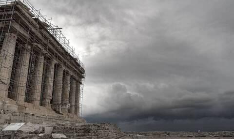 Κακοκαιρία: Πλημμύρισε η Ακρόπολη από την σφοδρή βροχόπτωση