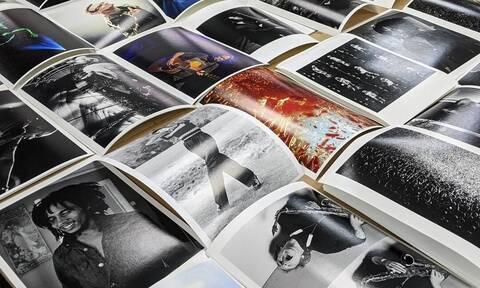 Φωτογράφοι δωρίζουν πορτρέτα καλλιτεχνών για καλό σκοπό