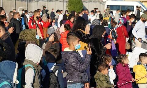ΕΔΕ σε βάρος αστυνομικών για επίθεση σε μετανάστες στη Μυτιλήνη