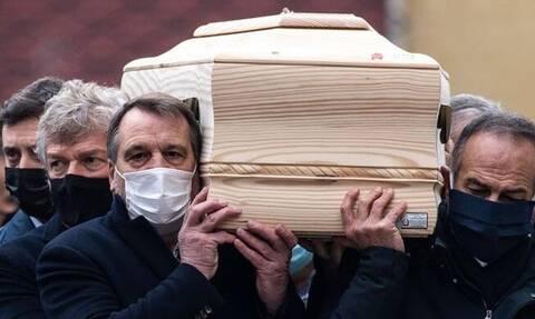 Το τελευταίο αντίο στον Πάολο Ρόσι – Οι συμπαίκτες του στο Μουντιάλ του '82 κρατούσαν το φέρετρο