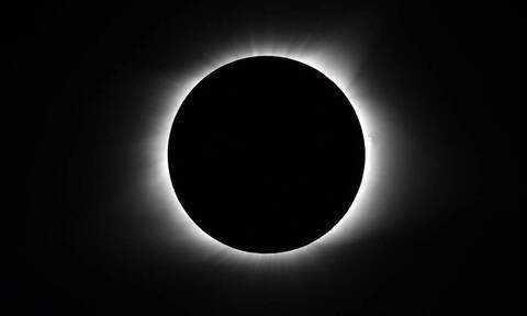 Ολική έκλειψη Ηλίου και βροχή διαττόντων αστέρων στις 14 Δεκεμβρίου - Δείτε πού θα είναι ορατή