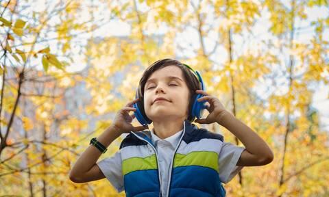 Πόσο ασφαλή είναι τα ακουστικά για τα παιδιά;