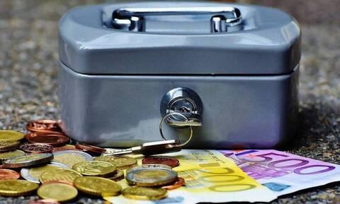 Επίδομα 800 ευρώ: Πότε και πώς θα πάρουν τα χρήματα τους οι εργαζόμενοι που δεν πληρώθηκαν