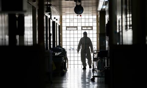 Αναισθησιολόγος νοσοκ. Νάουσας στο Newsbomb.gr:  Όσο είναι εκτός ΜΕΘ o 34χρονος κινδυνεύει η ζωή του