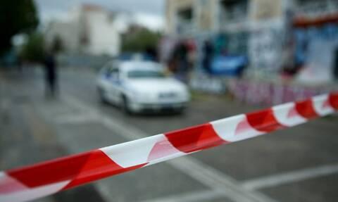 Τρόμος για 70χρονη στο Χαλάνδρι: Κουκουλοφόροι μπούκαραν με βαριοπούλα στο σπίτι της και τη χτύπησαν