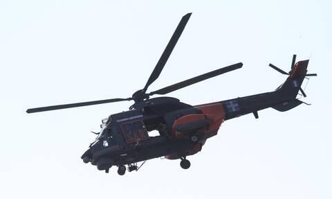 Αλόννησος: Καρέ καρέ η αερομετακομιδή ασθενή με ελικόπτερο super puma στον Βόλο