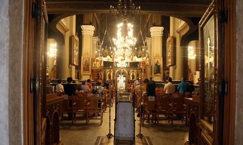 Επιβεβαίωση Newsbomb.gr: Έτσι θα κάνουμε γιορτές - Τι ισχύει για ρεβεγιόν και εκκλησίες (ΦΕΚ)