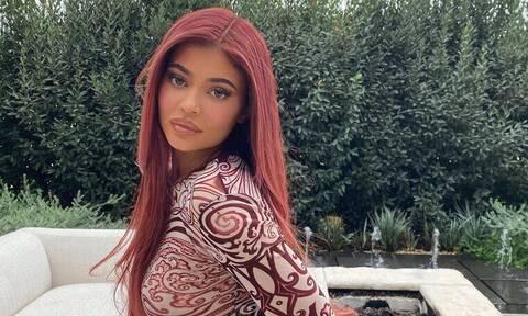 Έχεις δει πώς είναι τα πραγματικά μαλλιά της Kylie; Καμία σχέση
