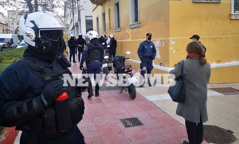 Συγκέντρωση διαμαρτυρίας καθηγητών και φοιτητών στο κέντρο της Αθήνας