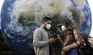 Ανασκόπηση 2020: Πώς ο εφιάλτης του κορονοϊού «κύκλωσε» την ανθρωπότητα