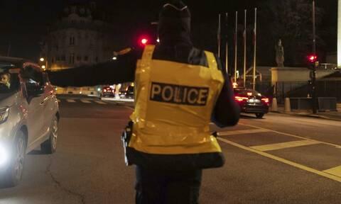 Συναγερμός στη Γαλλία: Ομηρία κοντά στο Παρίσι - Δύο τραυματίες