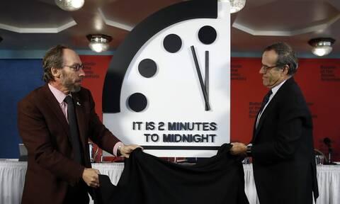 To «Ρολόι της Αποκάλυψης» προβλέπει τη συντέλεια - Είμαστε 100 δευτερόλεπτα από το τέλος του κόσμου
