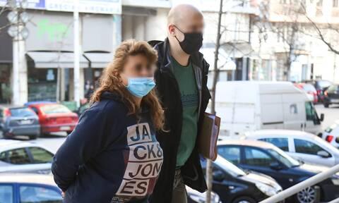 Έγκλημα στη Θεσσαλονίκη: Βαριές κατηγορίες για τη γιαγιά των ανηλικων δολοφόνων