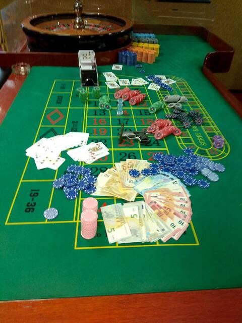 Ρέθυμνο: Σπίτι λειτουργούσε σαν καζίνο εν μέσω lockdown - Συλλήψεις για παράνομα τυχερά παιχνίδια