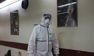 Ανασκόπηση 2020 - Γιατροί και νοσηλευτές: Οι σύγχρονοι ήρωες με τις άσπρες στολές