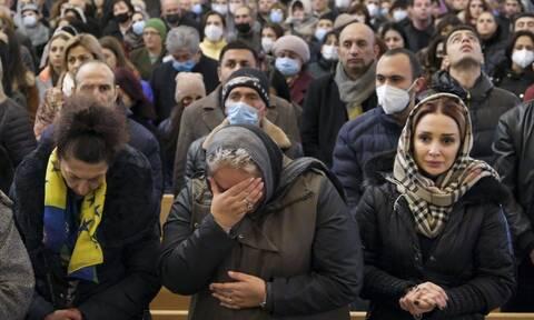 Αρμενία: Χιλιάδες άνθρωποι απέτισαν φόρο τιμής στα θύματα της σύρραξης στο Ναγκόρνο Καραμπάχ