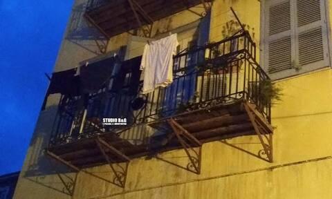 Ναύπλιο: Κατάρρευσε μπαλκόνι σπιτιού - Ηλικιωμένη έπεσε από ύψος 10 μέτρων (pics)