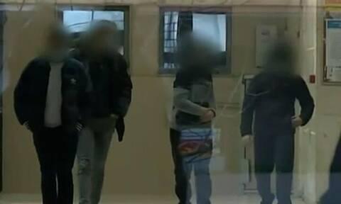 Υπόθεση ασέλγειας σε 14χρονη: Αύριο απολογούνται οι 7 ανήλικοι - Τι λέει συμμαθητής της