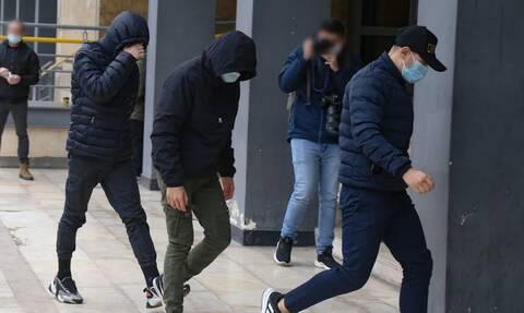Θεσσαλονίκη: Στα δικαστήρια οι 7 ανήλικοι για την ασέλγεια σε βάρος της 14χρονης (vid)