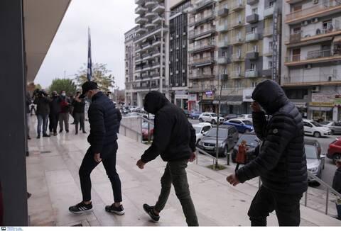 Θεσσαλονίκη: Σοκάρουν οι περιγραφές για τον βιασμό της 14χρονης – Αρνούνται τις κατηγορίες οι 7