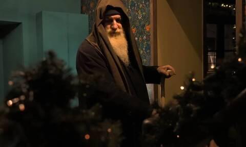Υπέροχο βίντεο: Αν ο Άη Βασίλης ήταν άστεγος θα τον έβαζες σπίτι σου;