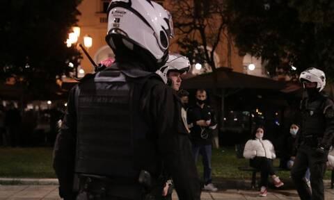 Lockdown – Αγρίνιο: Αστυνομικοί πήγαν για έλεγχο και τους απείλησαν με μπαλτά
