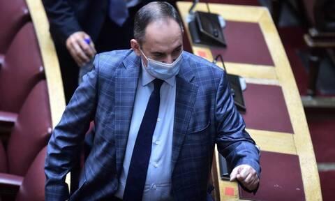 Πλακιωτάκης: Βγήκε από το νοσοκομείο ο υπουργός Εμπορικής Ναυτιλίας μετά τη νοσηλεία του για Covid