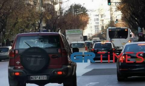 Θεσσαλονίκη: Ποιος κορονοϊός; Μεγάλο μποτιλιάρισμα στο κέντρο της πόλης (pics)