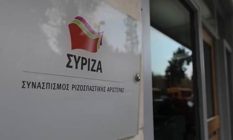 ΣΥΡΙΖΑ: Να απαντήσει ο Μητσοτάκης για χρηματοδότηση Κουτσολιούτσων από εταιρεία της οικογένειάς του