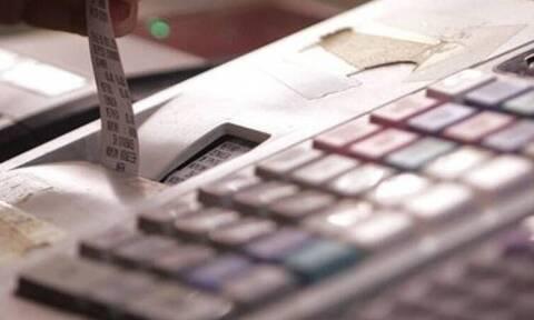 ΑΑΔΕ: Νέα παράταση για την απόσυρση των ταμειακών μηχανών