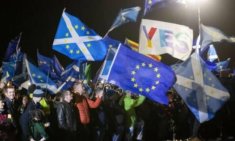 Brexit: Άνοιξε ξανά η πόρτα της ανεξαρτησίας για τη Σκωτία