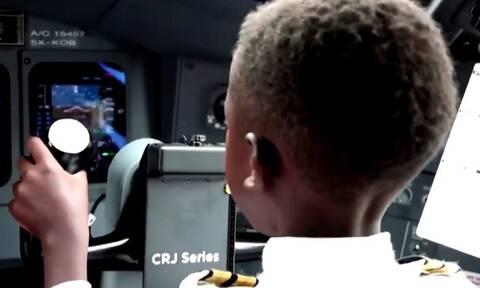 Απίθανος 7χρονος έχει πιλοτάρει τρεις φορές αεροπλάνο και το παρατσούκλι του είναι... Captain