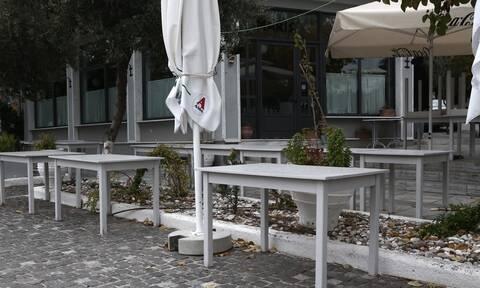 Lockdown: «Βόμβα» Παπαθανάση για την εστίαση - Πότε θα ανοίξουν καφέ, μπαρ και εστιατόρια;